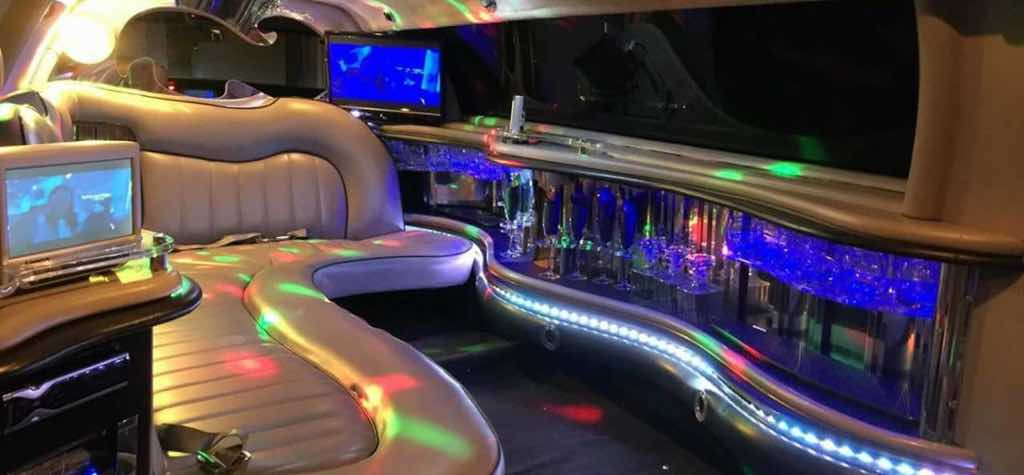 limusina blanca Lincoln por dentro en Madrid